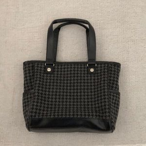 THIRTY-ONE Black Houndstooth Handbag